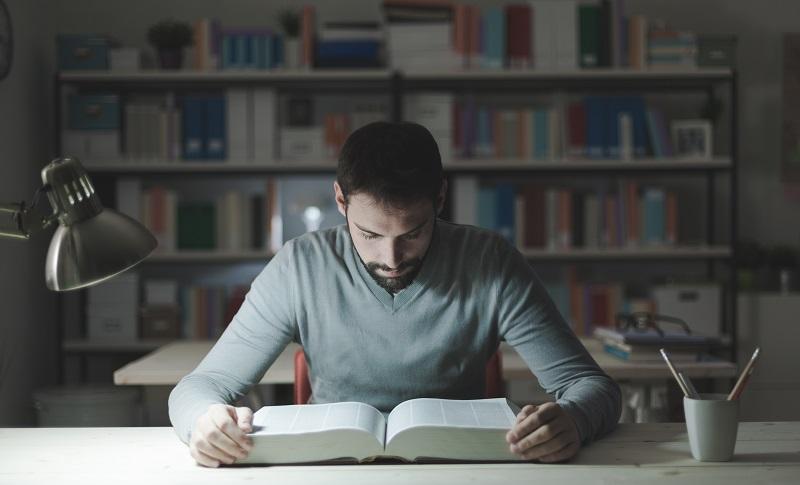 משבר הקורונה העלה את הביקוש לכתיבת עבודות אקדמיות בתשלום